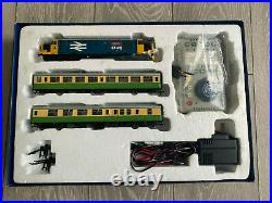 Bachmann 30-048 Class 37 The Highlander DCC Sound Train Set OO Gauge
