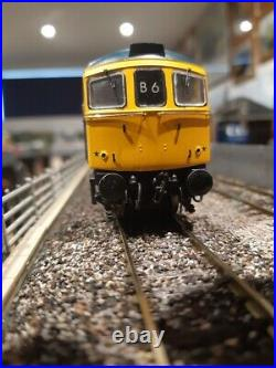 Heljan OO Class 33 BR Blue D6579 with DCC Howes Sound fitted 3382