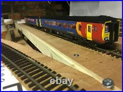 Realtrack class 156 East Midlands Trains twin DCC Sound and passengers